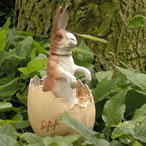 Antiker Osterhase im Ei spielzeug-wie-früher.de Nostalgisches Spielzeug