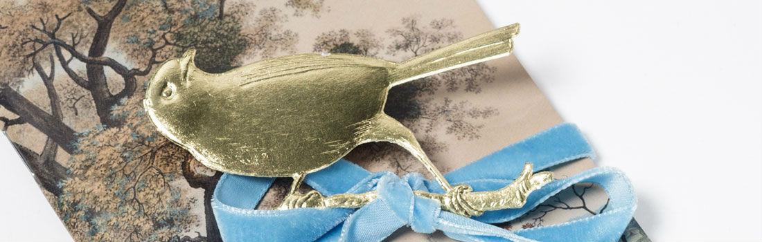 Dresdner Pappe geprägter Vogel in gold