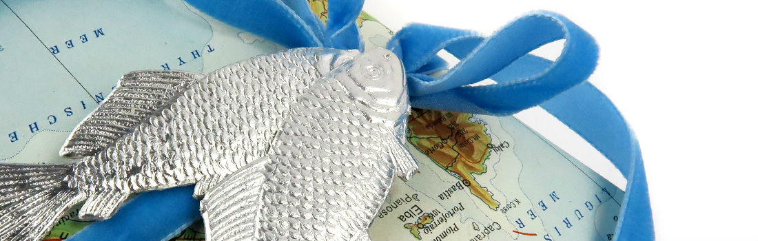 Dresdner Pappe Geschenkdekoration silberner Fisch