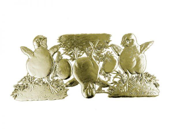 Osterdekoration aus Pappe mit Küken gold