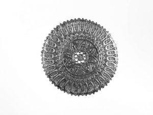 Spitzendecken in Silber