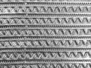 Puppenhauszubehör Verzierung aus Pappe silber